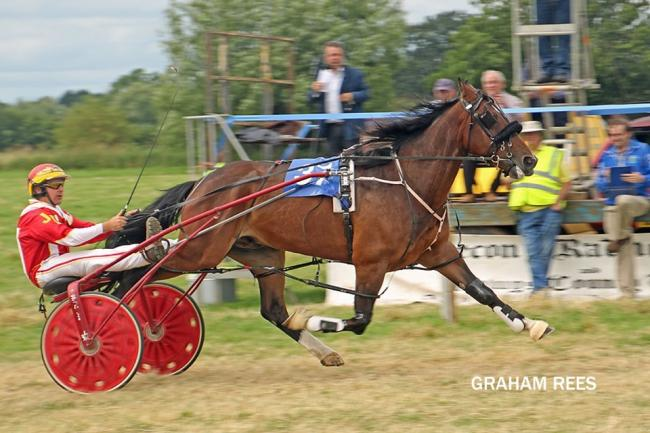 Leading Driver Jaimie Davis in action. Picture: Graham Rees