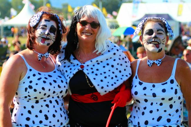 Festival-goers enjoying the sun at Upton's Sunshine Music Festival - photo by Les Vann
