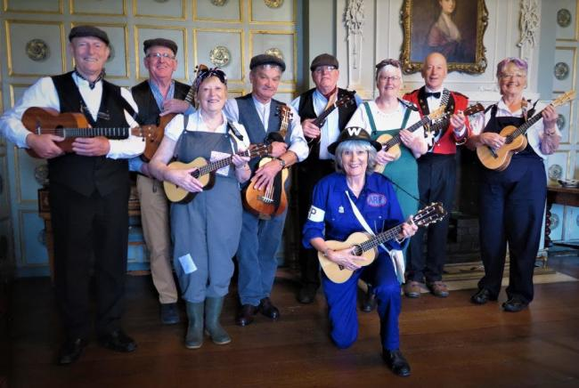 The Pearl Lake Ukulele Group