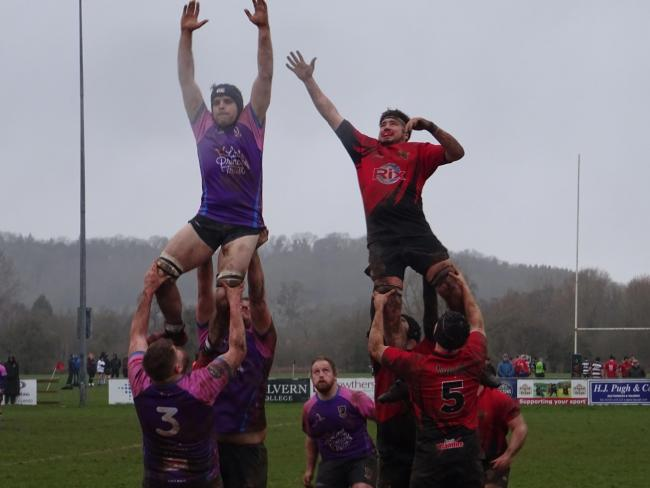 Charlie Barber-Starkey reaches for the skies for a line-out