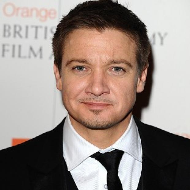 Jeremy Renner is set to receive CinemaCon's male star of the year prize