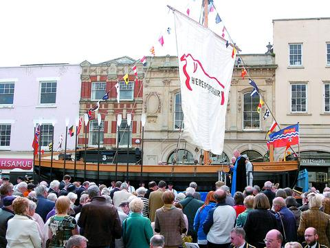 The Hereford Bull will sail across the River Thames to mark the Queen's Diamond Jubilee