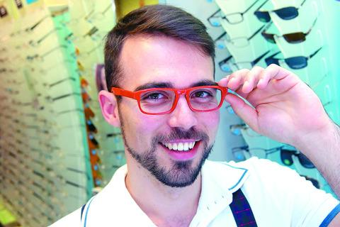 Alex Narlis is hoping to win a Specsavers competition
