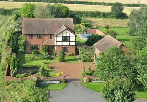 Outstanding house with cottage in Cross Keys