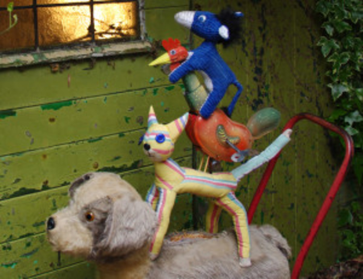 A dog, a donkey, a cat and a rooster set off into the unknown, in the Musicians of Bremen.