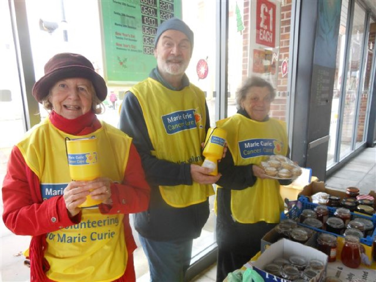 (left to right) Anita Robbins, Bruce Foster and Sandi Parker collecting for Marie Curie Cancer Care. Picture by Jan Long.