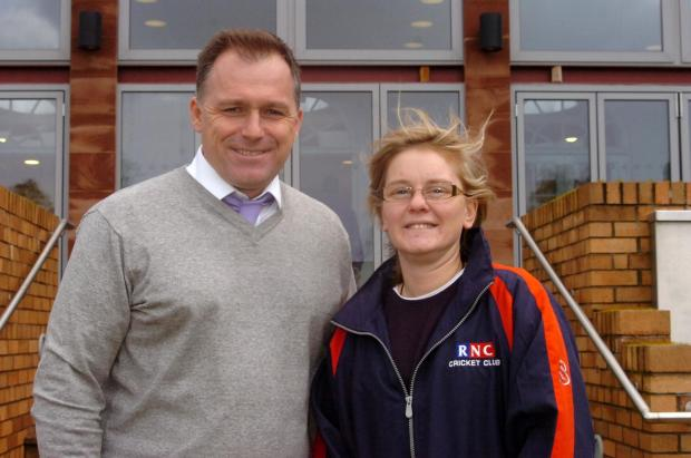 Hereford Times: 1407_13004 RNC, Gloucestershire & England blind cricketer Elyse Bezuidenhout.Elyse with Mark Fisher (3976375)