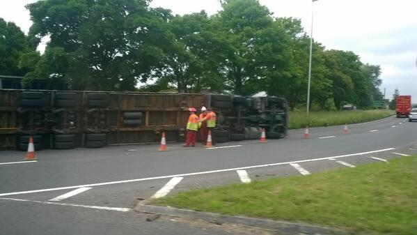 The overturned lorry in Ross-on-Wye this morning. Photo: Daniel Watkins.