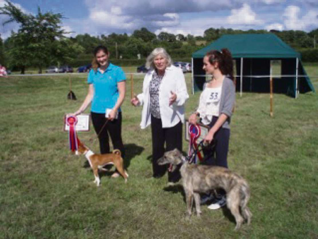 From left: Best in show, Tinks and her owner Amy Clinton, Lucinda Aldrich Blake and the reserve best in show Bramble, owned by Owen Florence.