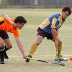 Hereford Times: Leominster Mens Hockey v Swindon. Matt Duggan in action. 1442_14006 (11652260)