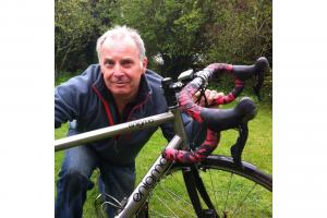 Cancer patient to cycle the height of Everest