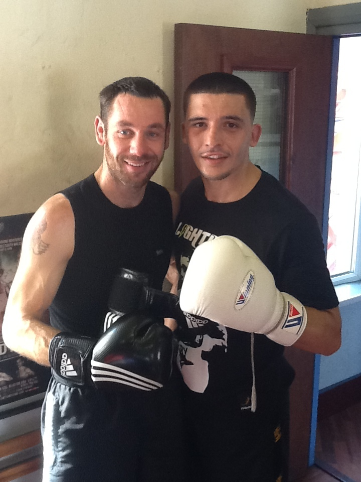Dean Evans (left) with IBF World Champion Lee Selby