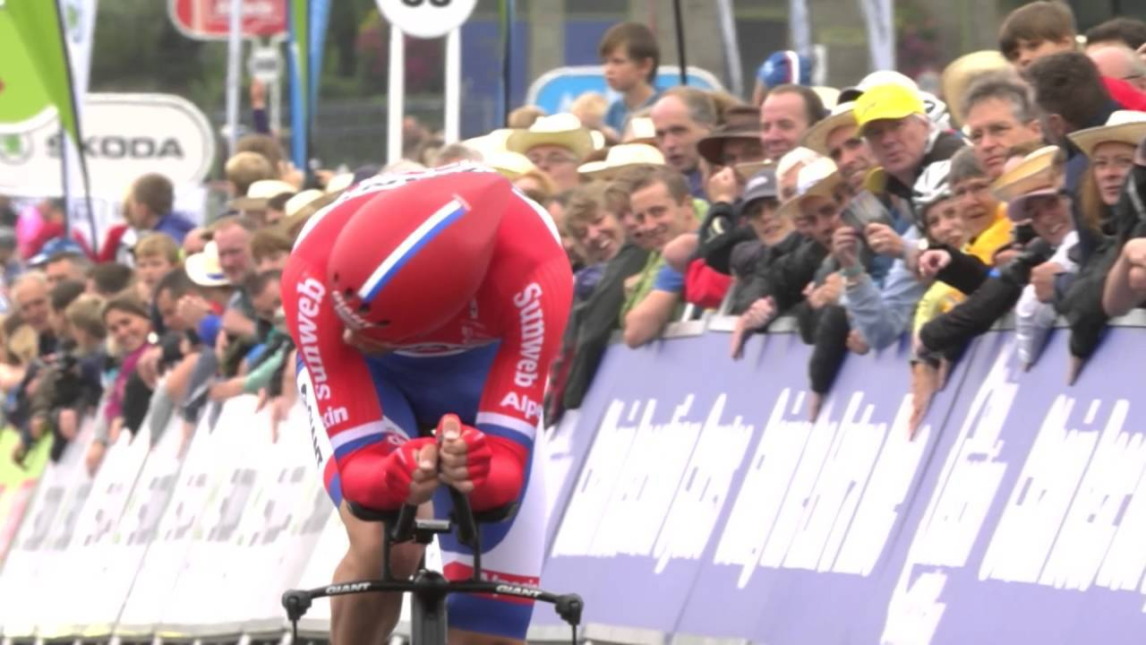 A dramaic moment from the Tour of Britain