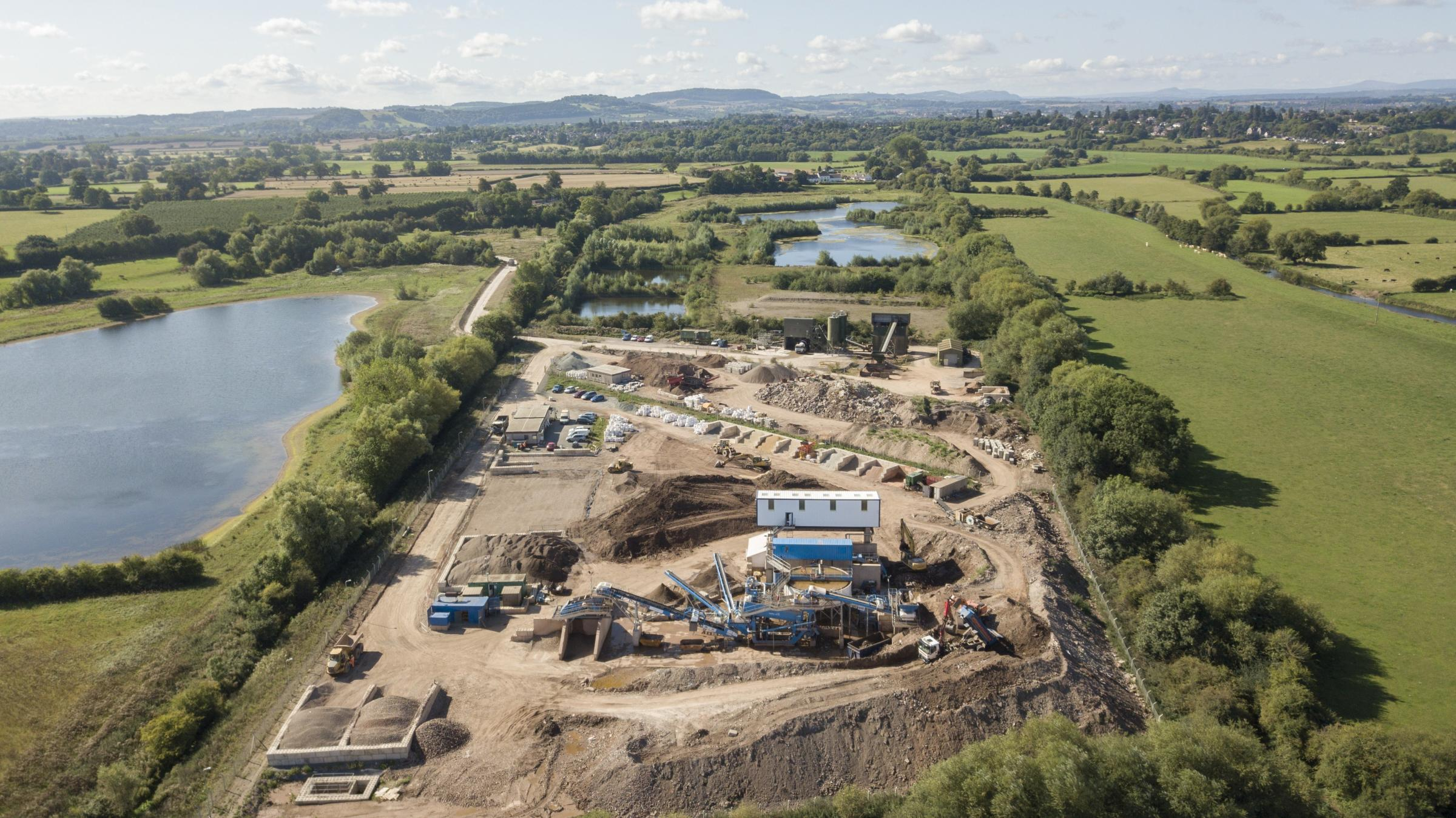 Hereford Quarries has unveiled its new construction and demolition waste materials washing plant near Lugg Bridge
