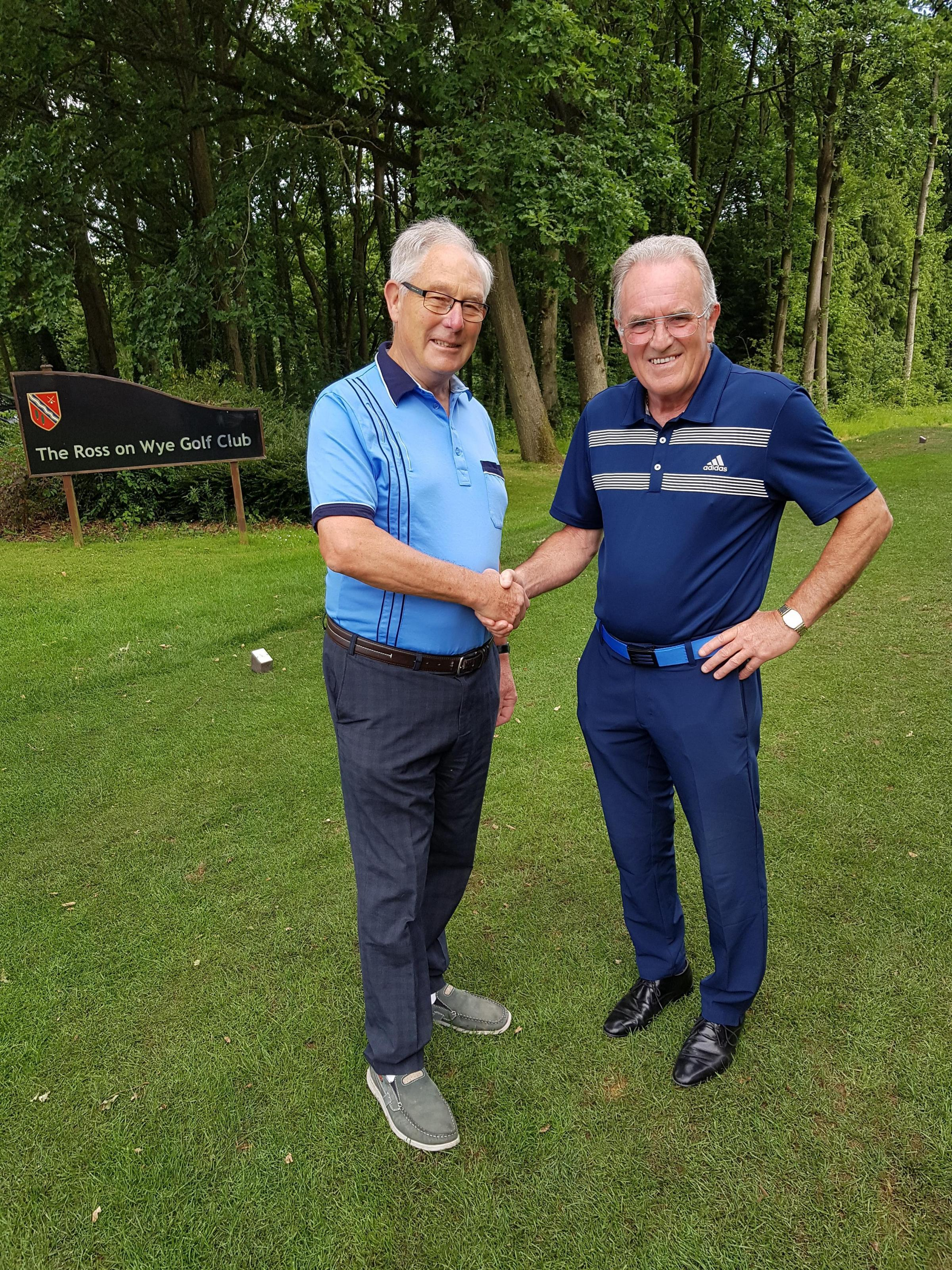 Ernest Penn Trophy Ross Golf Club from l to r  Captain Robert Tuttiett congratulating Robin Henderson-Pugh on winning 2018 Ernest Penn Trophy (2)