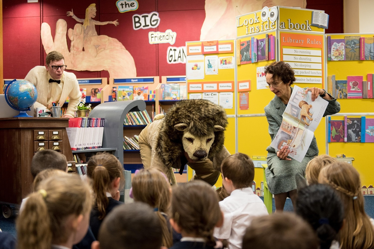 Arts Alive bring a Lion to local Libraries