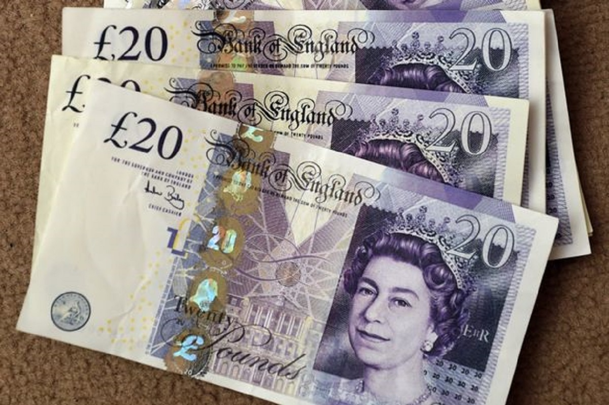 Ammanford Police are warning members of the public and shopeepers about counterfeit notes in the town.